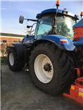 New Holland T 7030, 2010, Tractoren