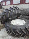 BKT Agrimax Renkaita 580/70 R38, Ruedas