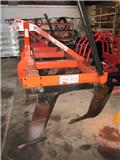 Gregoire-Besson 6 tands grubber, Chassis na mga plough