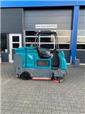 Tennant T20 LPG, 2007, Sweepers