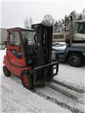 Дизельный погрузчик Linde H30D-03, 2002 г., 8361 ч.