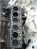 DAF XF95 Euro2 engine block, 2000, Engines