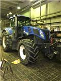 New Holland T 8.360, 2011, Traktorer