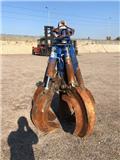 Arden Equipment CHWYTAK DO ZŁOMU, 2011, Kourat