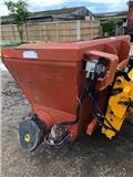 BOM  2m feed bucket. JCB brackets, 2002, Mixer feeders