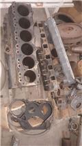 Daewoo motore solar 220, Engines