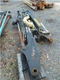 Logmer 10-90, Harvesteri kraanad