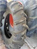Pneu 13.6-28, Tyres, wheels and rims