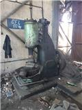 Ciocan pneumatic 60kg, Maquinarias para servicios públicos