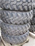 Dunlop 335/80R18 SPT9 #A-1546, Tires, wheels and rims