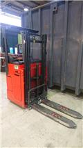 Linde L12R, 2012, Self Propelled Stackers