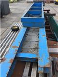Loopbordes 9 mtr., 1993, Load handling accessories