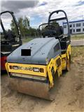 Bomag BW 100 AD, 2005, Twin drum rollers