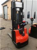 BT SWE 140 L، 2017، معدات التكديس الجوالة