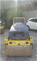 Bomag BW 100 AD M-5, 2011, Twin drum rollers