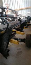 Сельскохозяйственное оборудование MacDon D 65, 2013 г., 600 ч.