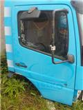 Mercedes-Benz Atego MPI Door right 9737201805, Kabiinid
