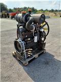 Komatsu WA320-3, 2003, Motory