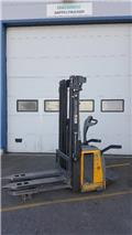 Atlet 140 S TFV, 2007, Manual Pallet Stacker