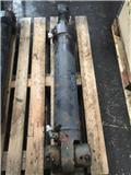 Timberjack 1070 TJ180 dipper cylinder, 2001, Harvester cranes