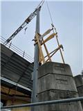 Potain IGO 12, 2003, Self-erecting cranes