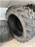 Pirelli 14.9 R38, Tires, wheels and rims