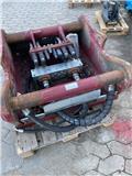 OilQuick Q90 til grab/hammer, Skovle