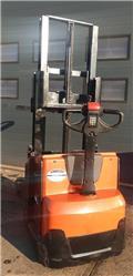 BT SWE 200، 2016، معدات التكديس الجوالة