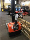 BT HWE 100, 2012, Pedestrian stacker
