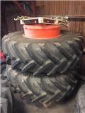 Michelin 710/85R38، 2013، عجلات مزدوجة