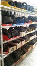 Conjunto completo de recambios de automóvil, Neumáticos