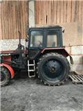 Belarus 820, Traktorji