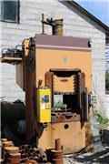 Universal Hydraulic Press 250 ton high-speed gauntry, column, Pramoniniai presai