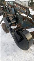 Överum Tukipyörä sarka-auraan, Conventional ploughs