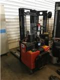 BT LSF 1250, Pedestrian stacker