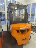 Doosan D30 G, 2020, Diesel trucks