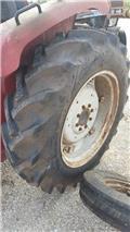 Pneus 12.4-28, Neumáticos, ruedas y llantas