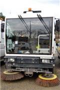 NC 400, Sweeper trucks