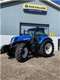 New Holland T 7.220, 2013, Traktori