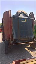 Trioliet GIGANT 900, 2007, Τροφοδότες μειγμάτων