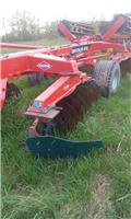 Kuhn Discover XM 36, 2015, Field drags