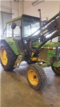 John Deere 2130, 1977, Mga traktora