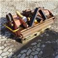 Caroni TM1300, 2002, Piekabināmās pļaujmašīnas