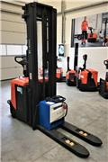 BT SPE 160 L, 2013, Pedestrian stacker