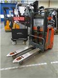 Linde L12، 2009، معدات التكديس الجوالة