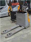 Still EXU-16، 2012، معدات الرفع منخفض المستوى
