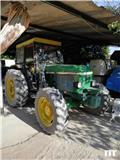 John Deere 2450, Tractores