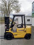 Дизельный погрузчик Caterpillar DP 25 K, 2001 г., 14165 ч.