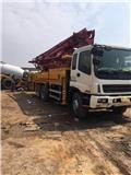 Isuzu 37M, Lastbilar med betongpump