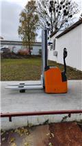 Still EGV16, 2012, Apiladoras eléctricos